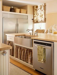Get dozens of ideas for adding a farmhouse sink to your kitchen. In farmhouse or modern kitchens, apron front sinks are at home. They come in a variety of materials, from fireclay to stainless steel, to fit any budget./