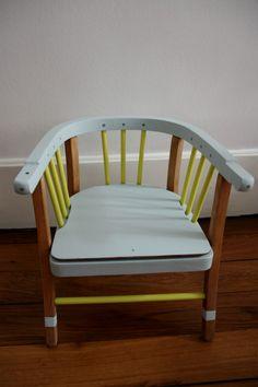 Petite chaise vintage Baumann pour enfants, rénovée et repeinte