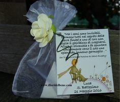 Bomboniera battesimo Luca [rif. gadget n.1] http://www.ifioridelbene.com/articoli-promozionali/244-proposta-gadget-n1-.html Bomboniera battesimo composta da sacchetto di organza , disco di torba compatta , semi di fiordaliso ( bustina bianca) , rosellina e bigliettino con dedica dei genitori (all'esterno) e istruzioni di semina all'interno . #bomboniere #bomboniera #bombonieraconsemi #bombonieraconsemidifiori #bombonierapiccoloprincipe #piccoloprincipe #battesimo #bombonieracomunione