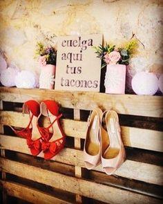 Esperaría 100 vidas por caminar contigo. #tubodaconencanto #dejaloennuestrasmanos #notepreocupespornada #nosencargamosdetodo #weddingday #perfectdetails #perfectmoments #justmarried  #novios #felicidad #amor #boda #wedding #2017 #matrimonio #eldiamasfelizdetuvida #siquiero #weddingplanner #weddingday #flowers #dress #makeup #madrid #barriosalamanca #tubodaconencanto #flores #música #lunademiel #maquillaje http://gelinshop.com/ipost/1521641826812384246/?code=BUd9S3yh1P2