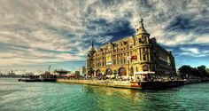 Istanbuls historic Haydarpaşa Train Station to be restored
