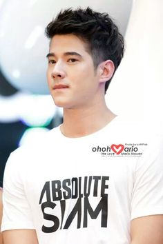 Mario Maurer simply biting his lower lips make him looks HOT!!