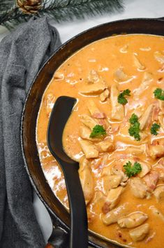 Kyckling- & bacongryta Thai Red Curry, Food And Drink, Cooking Recipes, Chicken, Ethnic Recipes, Live, Chef Recipes