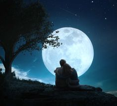 Create a romantic full moon scene in Photoshop CC 2017 Moon Pictures, Couple Pictures, Love Images, Love Photos, Romantic Couples, Cute Couples, Love Wallpapers Romantic, Fantasy Magic, Couple Painting