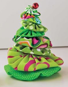 Yo yo tree by Susan Geddes.  Best Christmas Quilts 2012.  Quilters Newsletter.