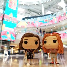 Stranger Things Funko Pop Eleven and Max at the Mall by Funk' My Pops, funkmypops, Season Millie Bobby Brown, Sadie Sink, Starcourt Serie Stranger Things, Stranger Things Funko Pop, Bobby Brown Stranger Things, Stranger Things Season 3, Stranger Things Netflix, Funko Pop Dolls, Funko Pop Figures, Pop Vinyl Figures, Funk Pop