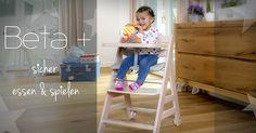 Der Beta+ wächst mit und beleitet dein Kind bis in die Schulzeit. Belastbar bis 90 kg!  Sitzbrett und Fußplatte lassen sich in Höhe und Tiefe verstellen und an die jeweilige Wachstumsphase Ihres Kindes anpassen. Der Beta+ ist äußerst stabil und dank seiner Rollen extrem kippsicher.
