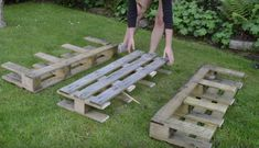 How to build a DIY strawberry planter out of a wood pallet