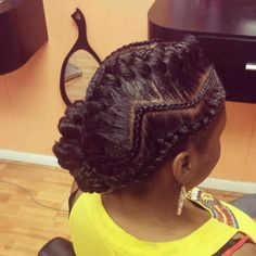 I love this unique braid style