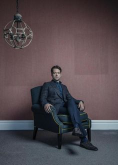 Here is a NEW Cover Pic of Richard Rankin Photoshoot and Interview Cover of The Herald Magazine More after the jump!