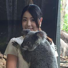 Cuddles and don't let go!!! #australia #koala #cuddle #socute #currumbinwildlifesanctuary #amazing #goldcoast #summer #cindybutlersalon by cindybnails http://ift.tt/1X9mXhV