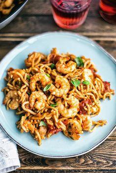 Five minute Chilli prawn noodles Would swap noodles for konjac ones etc, but the idea is perf
