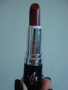 Vermelho Intenso da Yes! Cosmetics. MA-RA-VI-LHO-SO e o escolhido para o Natal!