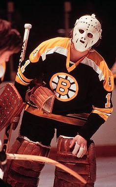 Gilles Gilbert Boston Bruins Hockey, Women's Hockey, Ice Hockey Teams, Hockey Stuff, Patrice Bergeron, Ice Hockey Jersey, Bobby Orr, Goalie Mask, Boston Sports