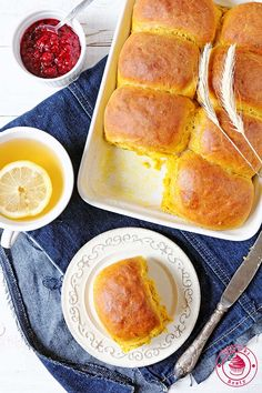Home Bakery, Hot Dog Buns, French Toast, Good Food, Food And Drink, Bread, Baking, Breakfast, Ethnic Recipes
