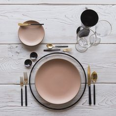 RENT: Halo Glass Chargers in Black + Custom Heath Ceramics in Sunrise + Axel Flatware in Matte G Black And Copper Kitchen, Heath Ceramics, Black Smoke, Deco Table, Kitchen Items, Ceramic Plates, Black Enamel, Home Deco, Blush Pink