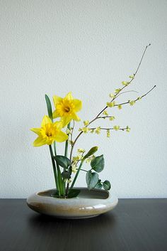 Ikebana 'It's spring again!' | Flickr : partage de photos !