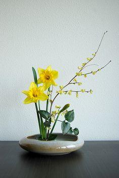 Ikebana 'It's spring again!' | Flickr: partage de photos!