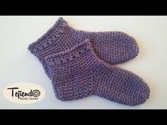 Botas para Casa a Crochet - PASO A PASO. Facebook: Canal de puntos: . Aprende a tejer estas medias tipo bota para usar en casa a crochet o ganchillo. Son muy fáciles y rápidas de hacer. Es importante que uses una lana de 5 mm . Tejer paso a paso: cómo