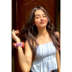 Simple Girl Image, Beautiful Girl Photo, Beautiful Girl Indian, Beautiful Girl Image, Stylish Girls Photos, Stylish Girl Pic, Girl Pictures, Girl Photos, Blonde Girl Selfie