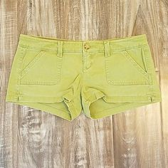 Green Hollister Shorts No stains or tears. Excellent condition! Hollister Shorts