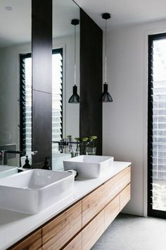 badezimmer beispiele mit schwarzer lampe
