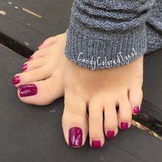 27 Adorable Easy Toe Nail Designs 2020 – Simple Toenail Art Designs : Page 5 of 25 : Creative Vision Design - 27 Adorable Easy Toe Nail Designs 2020 – Simple Toenail Art Designs : Page 5 of 25 : Creative Vision Design toenail designs Simple Toe Nails, Pretty Toe Nails, Cute Toe Nails, Cute Toes, Pretty Toes, Toe Nail Color, Toe Nail Art, Nail Colors, Pedicure Colors