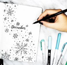 Who else is pumped for December and cooler weather?  beautiful #hellodecember from @amandarachdoodles. Looking or more holiday inspiration? Check out my latest blog post for a plethora of bullet journal holiday plan