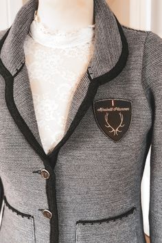 Arrow Necklace, Brooch, Blazer, Jewelry, Fashion, Dirndl, Jackets, Woman, Brooch Pin