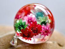 Naszyjnk z kolorowymi kwiatuszkami