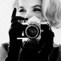 Marilyn with a Nikon! :)