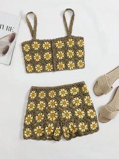 Crochet Crafts, Easy Crochet, Crochet Projects, Knit Crochet, Crochet Crop Top, Crochet Bikini, Crochet Clothes For Women, Crochet Designs, Crochet Patterns