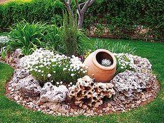 Jardín pequeño, pero bien decorado