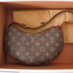 Tip: Louis Vuitton Handbag (Dark Brown) www.CheapDesignerHub.com   NEW 2013 LV handbags online outlet, discount FENDI bags online collection, fast delivery cheap LOUIS VUITTON handbags