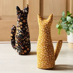 Door Stopper, Cat Boarding, Christmas Inspiration, Spotlight, Sewing Projects, Cord, Kitty, Australia, Fun