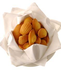 Encyclopédie Ducasse : Découvrez la recette des madeleines de Commercy | Alain Ducasse