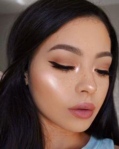 Shimmery and Natural Summer Makeup for teens, 40 Lovely Natural Makeup Ideas For Teens Girl Natural Makeup For Blondes, Natural Summer Makeup, Natural Everyday Makeup, Natural Makeup Looks, Natural Makeup For Teens, Eye Makeup, Contour Makeup, Glam Makeup, Makeup Brushes