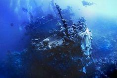 En lo más profundo del mar se encontró enterrado un buque de vigilancia Rusa, este es muy antiguo y lleva un buen tiempo en el agua, este se puede encontrar en lo hondo del Mar Rojo