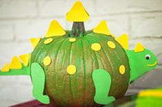Parties - Pea Pie Photography - Dinosaur Pumpkin