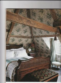Cozy attic bedroom with vintage floral wallpaper (walls and ceiling), wood furni. - Cozy attic bedroom with vintage floral wallpaper (walls and ceiling), wood furniture, and exposed beams. English Manor Houses, English Country Cottages, English Country Decor, Country Style, Country Living, English House, English Style, English Cottage Style, British Country