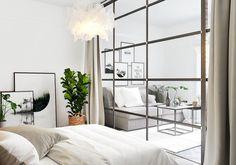 Modern studio apartment ideas with glass walled bedrooms 12 Modern Studio Apartment Ideas, Small Apartment Interior, Studio Apartments, Scandinavian Apartment, White Studio Apartment, Studio Apartment Design, Modern Interior, Home Interior Design, Appartement Design