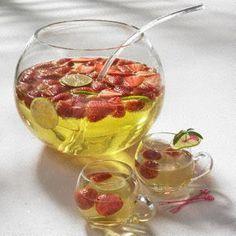 Erdbeer-Mai-Bowle Rezept (mit Waldmeister)