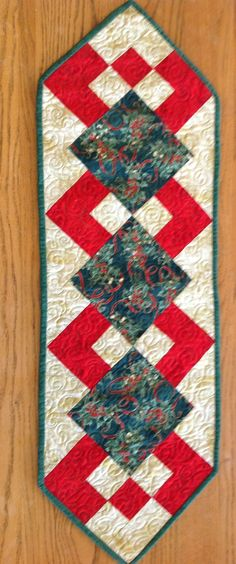 Table runner made by Village Quilters Guild