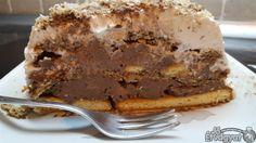 Kekszes csokis torta Pie, Desserts, Food, Torte, Tailgate Desserts, Cake, Deserts, Fruit Cakes, Essen