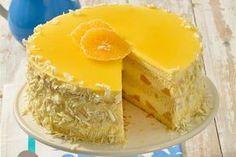 Weiße Schoko-Orangenmousse-Torte - Weiße Schokolade und Orange gehören zusammen wie Sonne und Meer. Die perfekte Torte für den Sommer, wenn eine dunkle Schokotorte zu schwer im Magen liegen würde.
