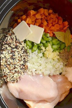 Chicken & Wild Rice Soup 21 Crock Pot Dump Dinners For Winter Crock Pot Food, Crockpot Dishes, Crock Pot Slow Cooker, Crock Pot Dump Meals, Healthy Crock Pot Meals, Crock Pot Rice, Crock Pot Lasagna, Chicken Crock Pot Meals, Easy Healthy Crockpot Recipes