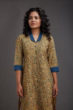 Rania Collar Kurta, adding a solid accent to a pattern Salwar Neck Designs, Churidar Designs, Kurta Neck Design, Neck Designs For Suits, Neckline Designs, Kurta Designs Women, Dress Neck Designs, Blouse Designs, Collar Kurti Design