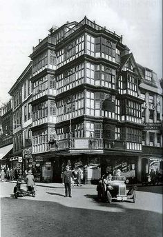 Bristol's Dutch House 1928 | by brizzle born and bred City Of Bristol, Bristol Uk, Bristol Fashion, Bristol England, Dutch House, Carlin, Uk Photos, Old Street, Interesting Buildings
