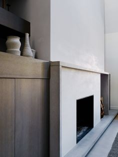 Watermill is a minimalist home located in the Hamptons, New York, designed by General Assembly Home Fireplace, Fireplace Surrounds, Fireplace Design, Fireplace Built Ins, Living Room Decor, Bedroom Decor, Interior Architecture, Interior Design, Interior Plants