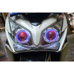 Vario 125 #vario125 #hid #projie #lampu #variasi #motor #matic #otomotif #modif #terang #hidxenon #cimahi #bandungbarat #kriwilneon #murah #wts #inverter #angeleye by kriwilneon